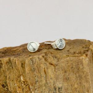 Boucles d'oreilles serties, Howlite 4 mm
