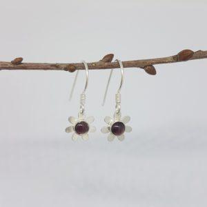Boucles d'oreilles Marguerite en Grenat