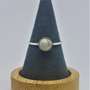 """Bague """"Collection Pure"""" Howlite, 6 mm"""